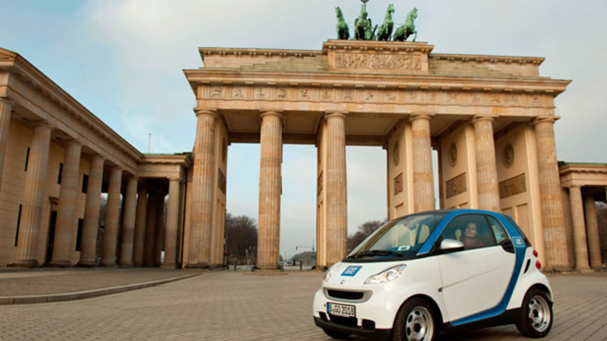 car2go startet in berlin. Black Bedroom Furniture Sets. Home Design Ideas