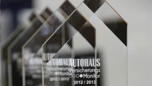 AUTOHAUS VersicherungsMonitor 2012