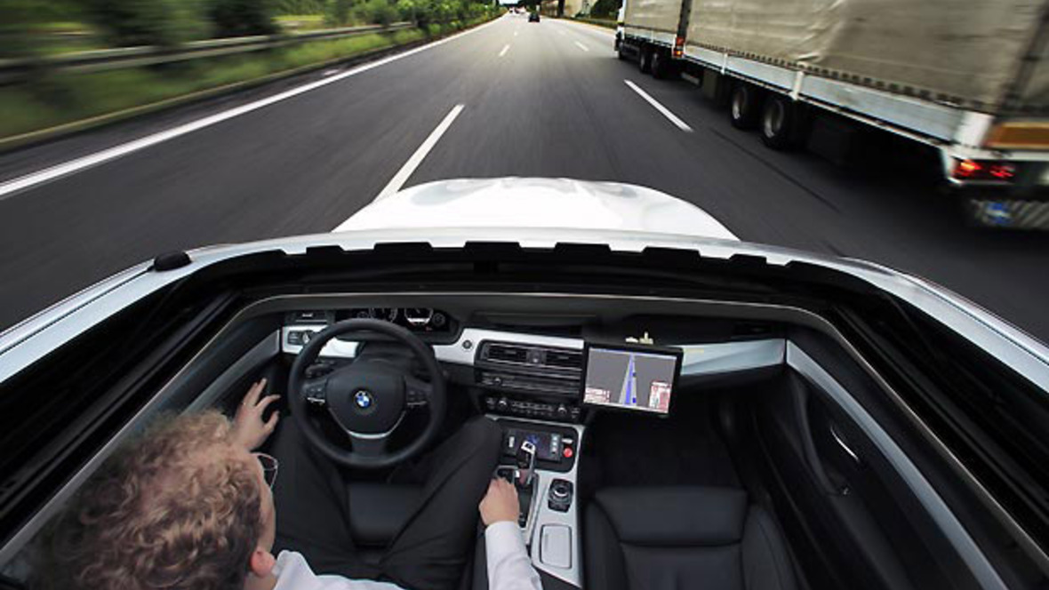 bmw testet elektronischen co piloten auf der autobahn. Black Bedroom Furniture Sets. Home Design Ideas