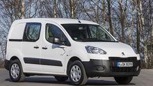 Für den Lieferverkehrsstrom: Den Peugeot Partner gibt es jetzt mit E-Antrieb.