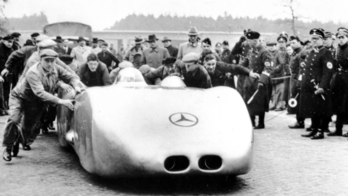 Rudolf Caracciola Geschwindigkeitsweltrekord Silberpfeil Mercedes-Benz W125