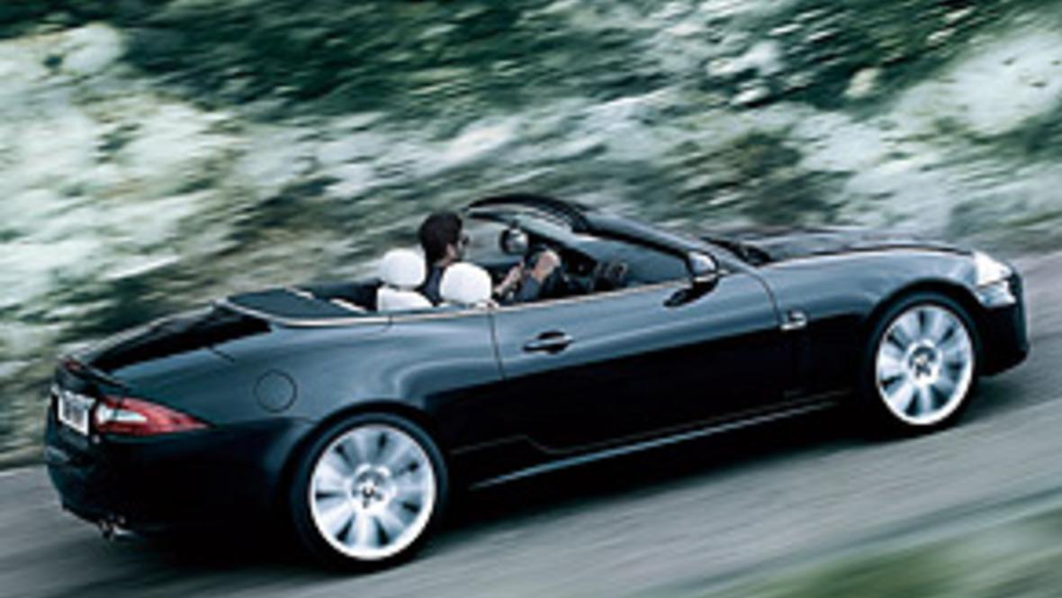 pfeifger usche im luxus cabrio sind mangel. Black Bedroom Furniture Sets. Home Design Ideas