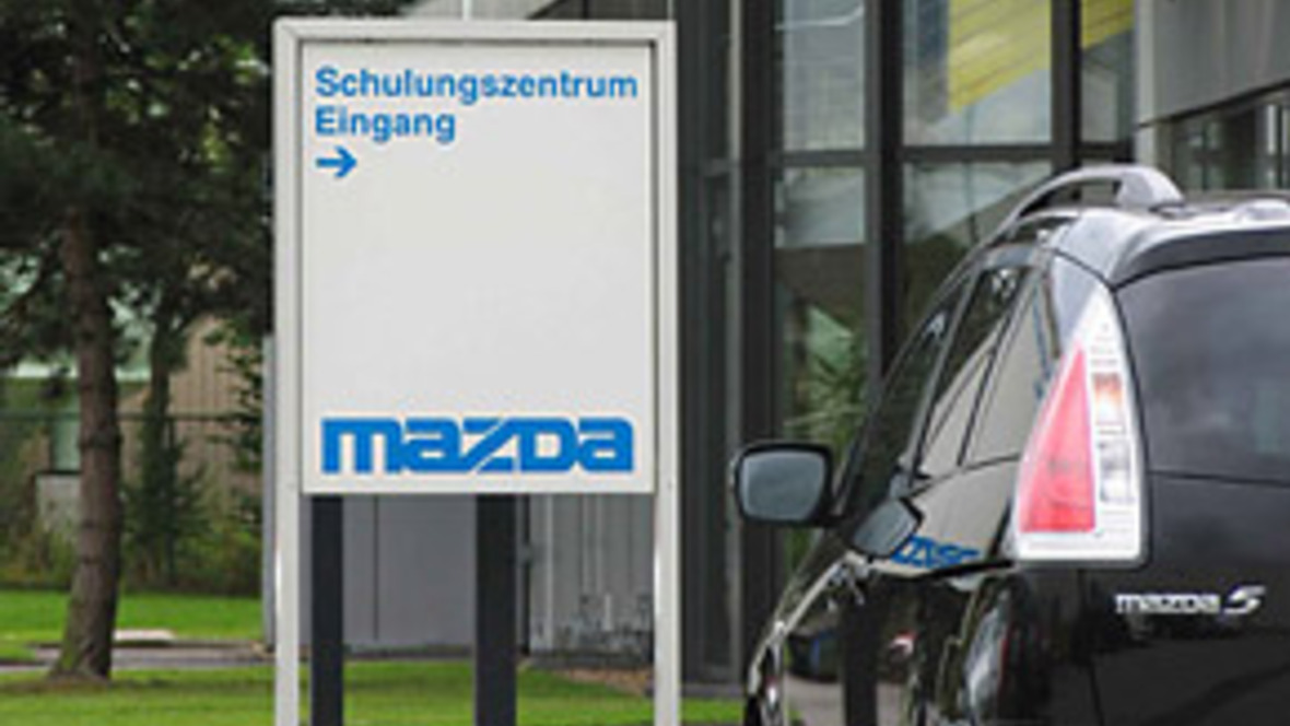 mazda trainingszentrum feiert 20 j hriges bestehen. Black Bedroom Furniture Sets. Home Design Ideas