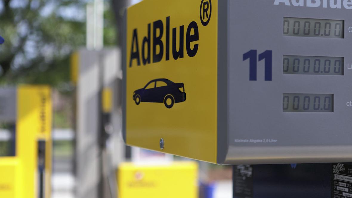 Adblue-Zapfsäule für Pkw an Westfalen-Tankstelle