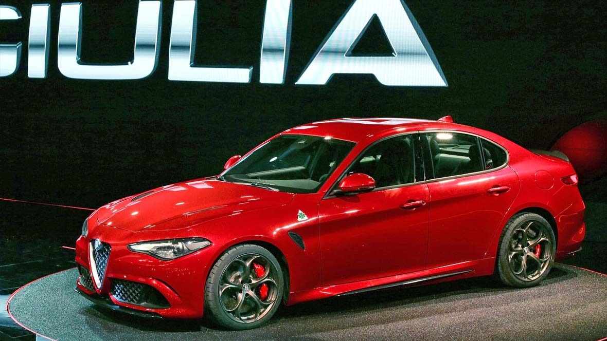 alfa romeo giulia 2016. Black Bedroom Furniture Sets. Home Design Ideas
