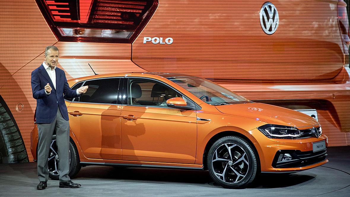 Herbert Diess in Berlin bei der Weltpremiere den neuen VW Polo