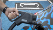 Elektromobilität Laden Akku Daimler