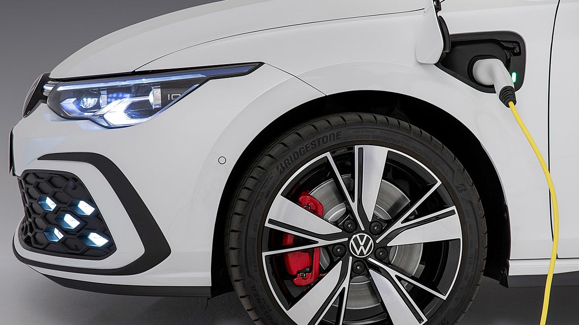 VW Golf GTE (2021)