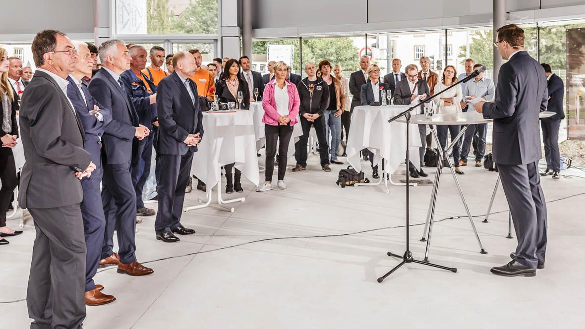 Hahn gruppe feiert richtfest in b blingen for Porsche zentrum boblingen