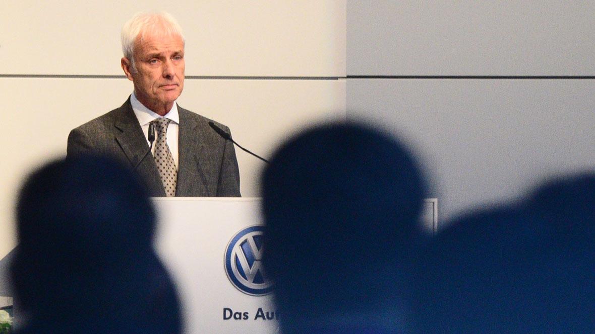 Umfrage - Stimmung in VW-Belegschaft nach Skandalen im Keller