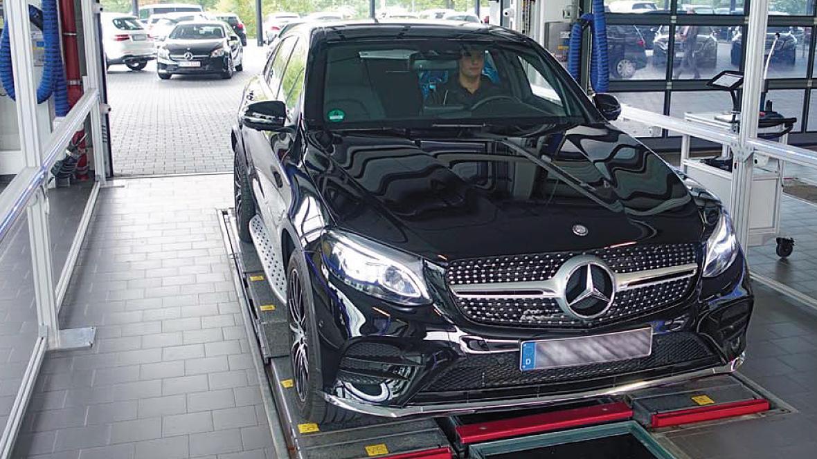 Mercedes-Benz revolutioniert die Dialogannahme