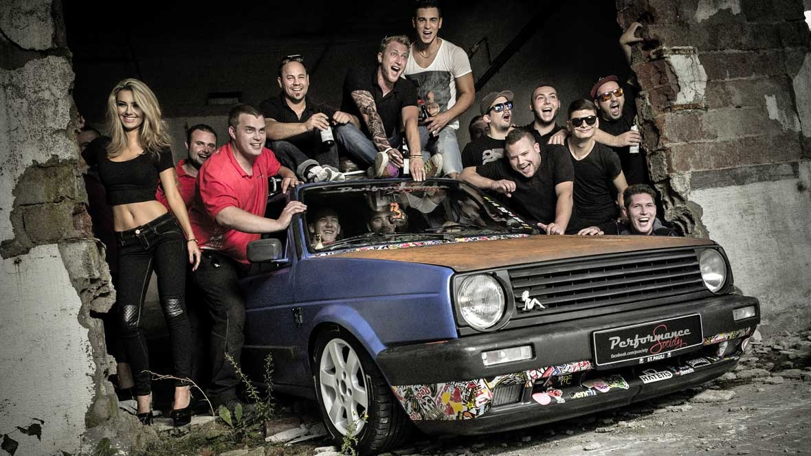"""Miss Tuning bei """"Performance Society"""" - autohaus.de"""