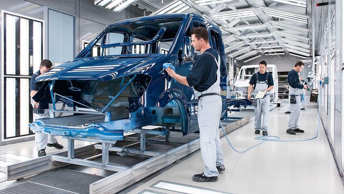 Einigung mit Betriebsrat: Daimler reduziert Arbeitszeit und streicht die Prämie