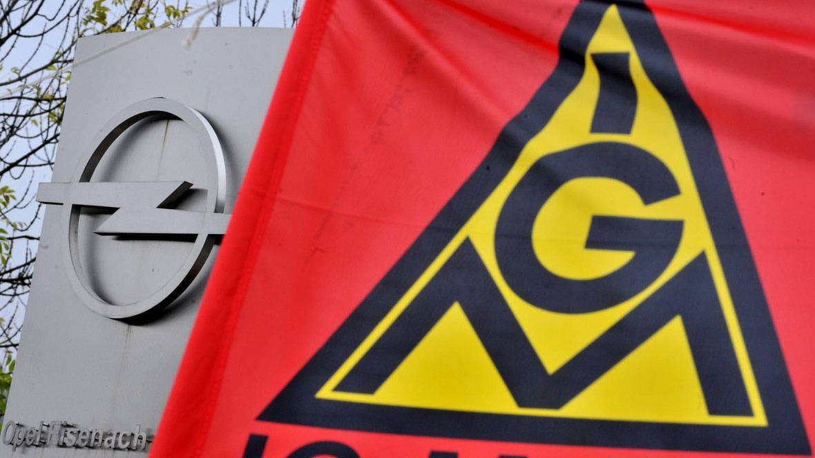 Opel Werk Eisenach IG Metall Fahne Gewerkschaft Demonstration Tarifstreit