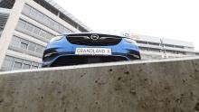Opel Zentrale mit Grandland X