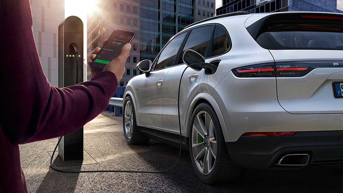 Porsche-Charging-Service