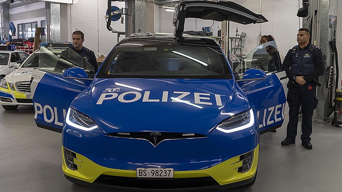 Tesla X 100D Polizeifahrzeug Basel