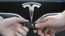 Übergabe Tesla Schlüssel