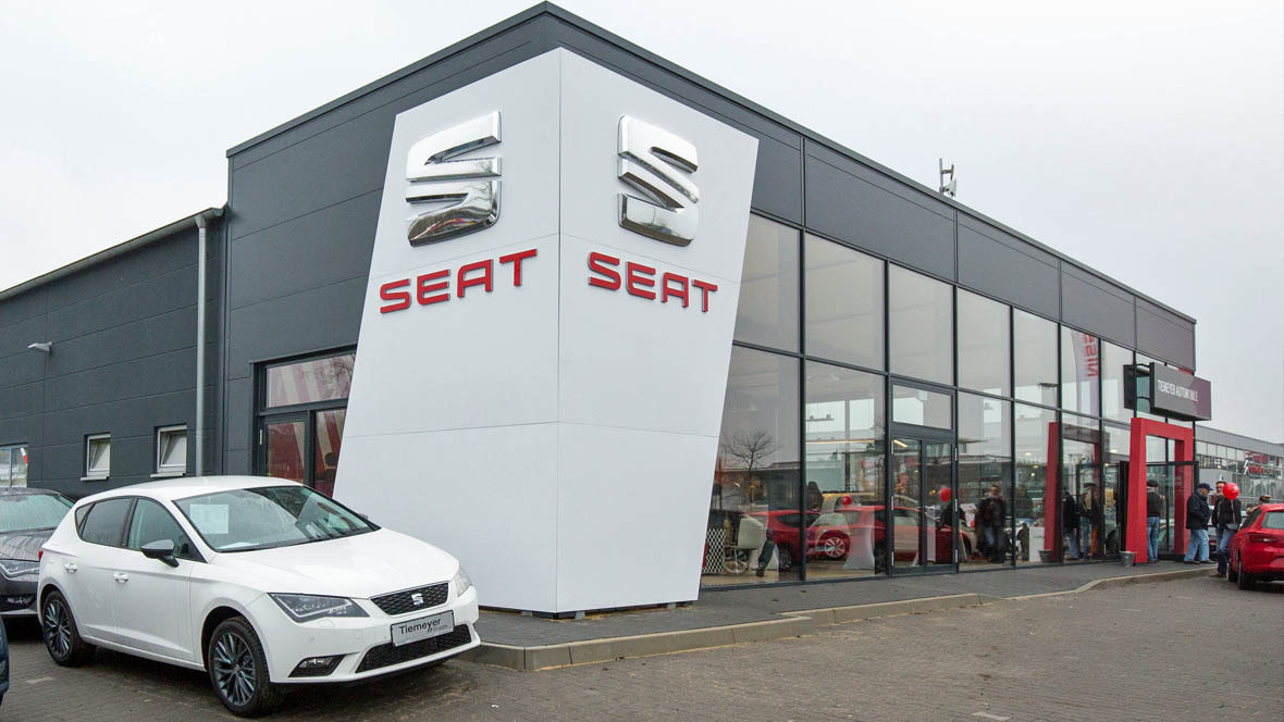 neues seat autohaus in bochum. Black Bedroom Furniture Sets. Home Design Ideas