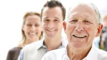 Generationen jung alt Erbe Firmenübergabe Familie Harmonie