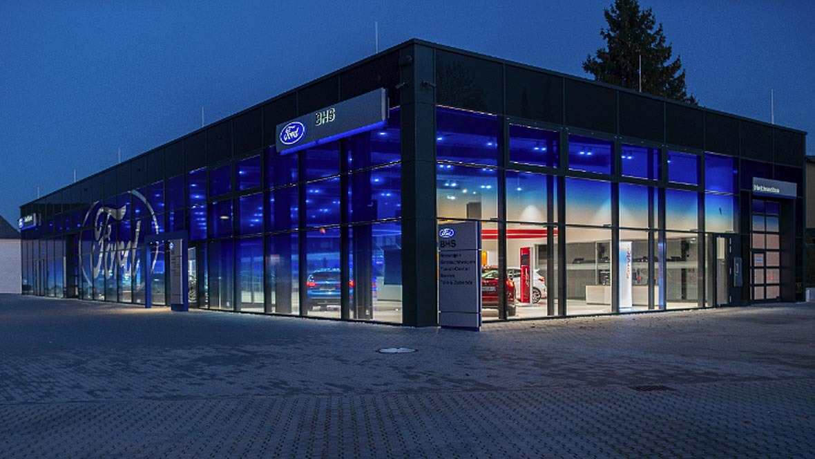 ford store bhs in zwickau. Black Bedroom Furniture Sets. Home Design Ideas