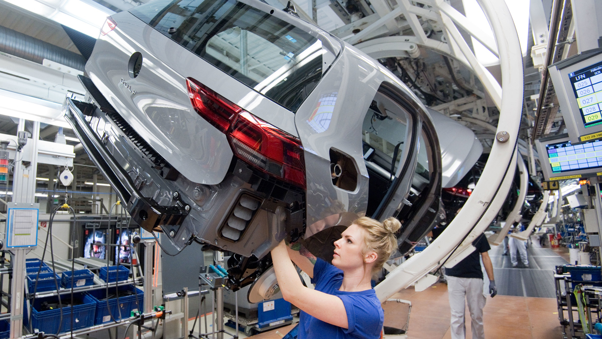 Unternehmen & Märkte - Volkswagen verlängert Produktionspause