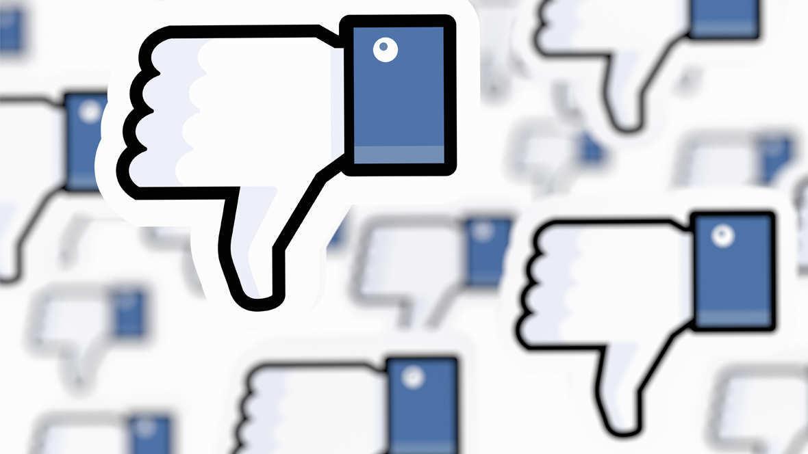 Facebook soziale Netzwerke Daumen unten dislike shitstorm mobbing