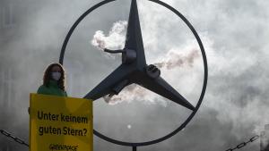 Greenpeace; Demonstration; Mercedes-Benz; Daimler; Protest