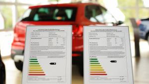 Verbrauchskennzeichnung Pkw-Label Autohaus Showroom